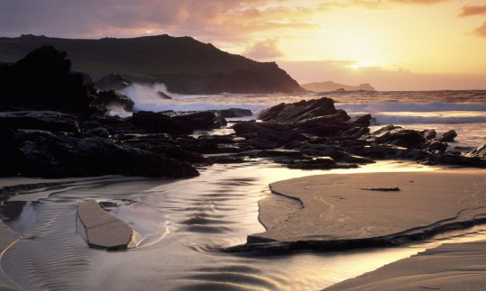 clogher-head-beach-dingle-peninsula-county-kerry-ireland_1280x768_77490